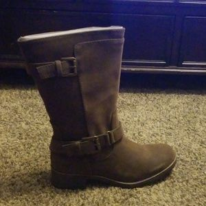Sonoma Cushioned Brown Boots